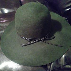 Forever 21 Flare Hat